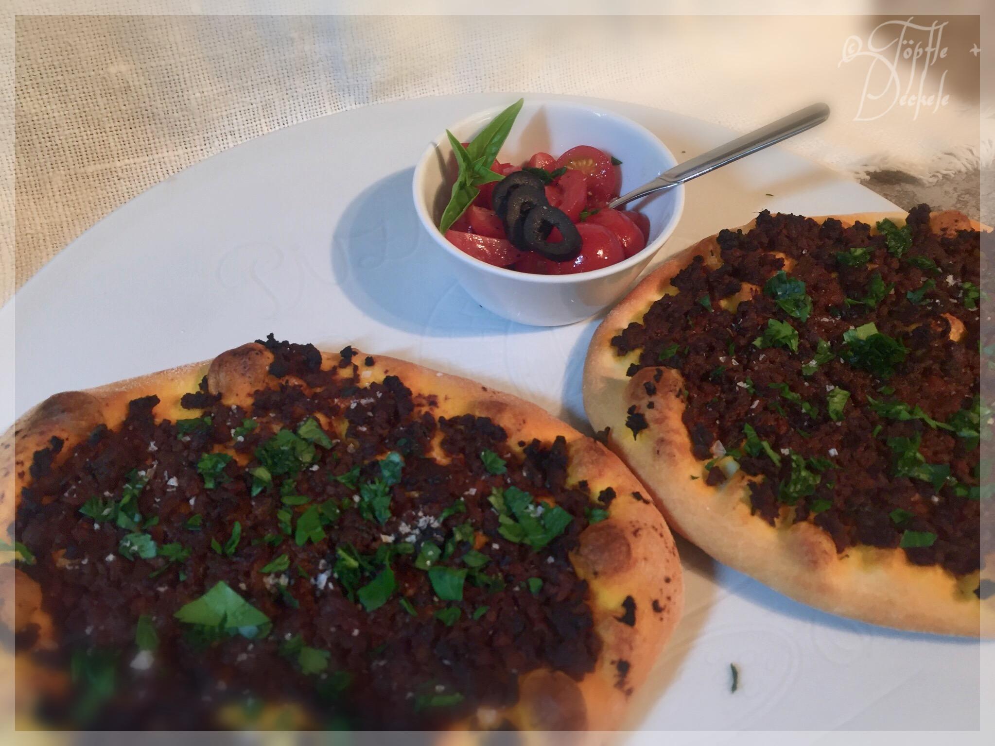 lahmacun türkische pizza cooking chef